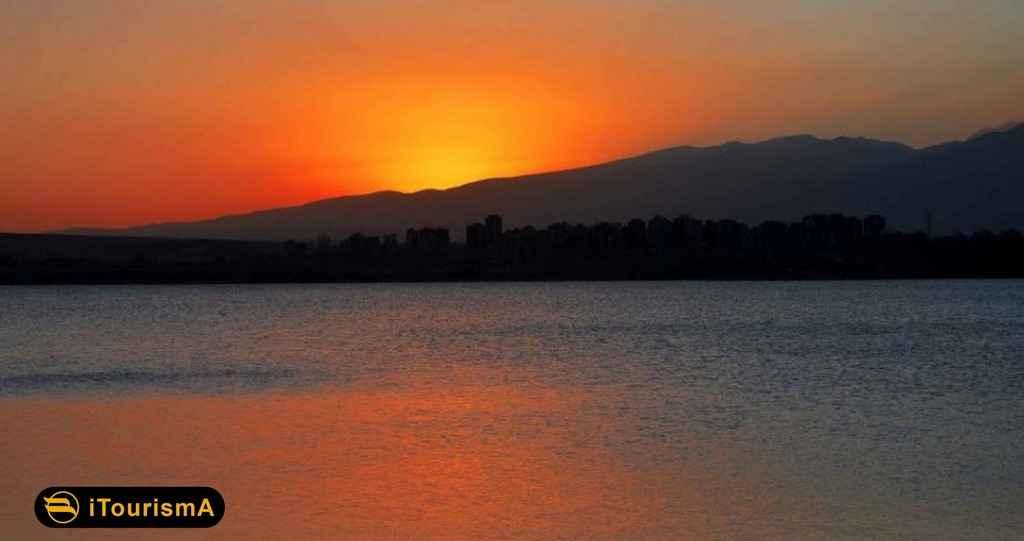 دریاچه شورابیل در جنوب شرقی شهر اردبیل به سمت خلخال