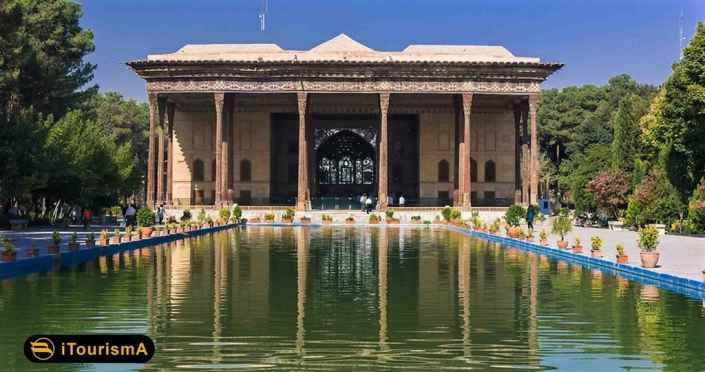 کاخ چهل ستون کاخی سلطنتی دوره صوفیه در اصفهان