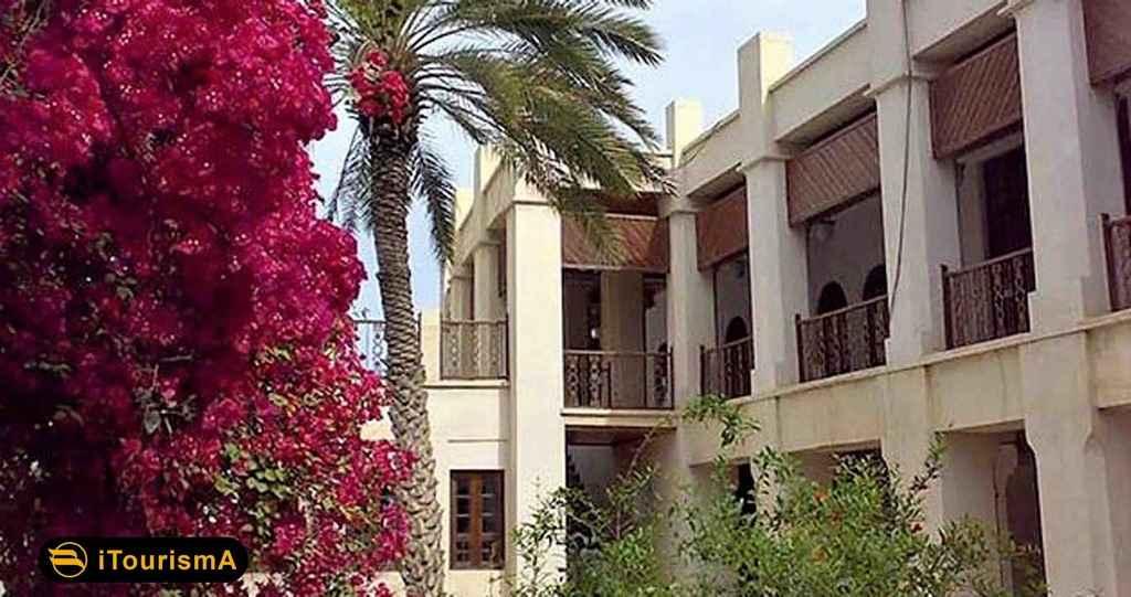 Kazeruni Mansion