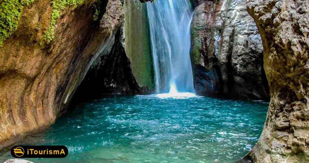 Tang-e Tamoradi Waterfall