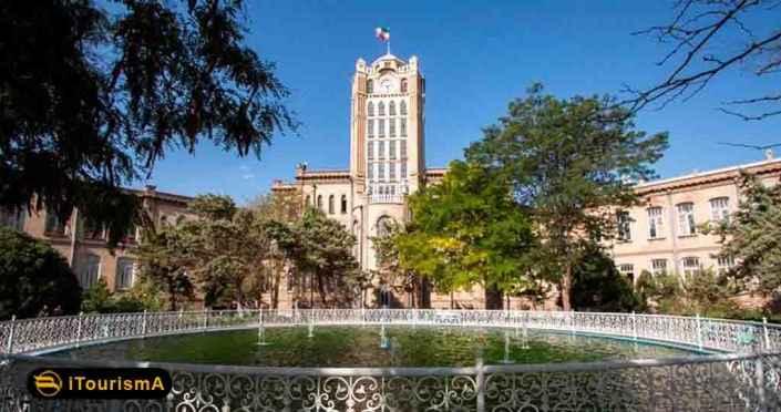 برج ساعت یا کاخ شهرداری در مرکز شهر تبریز