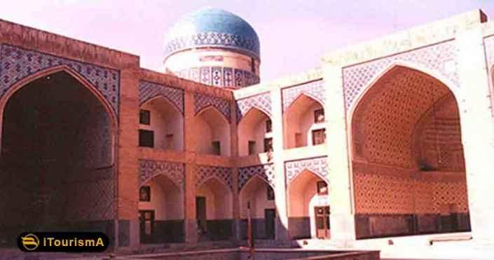 مدرسه پریزاد که در نزدیکی مسجد گوهرشاد مشهد