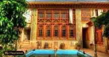 موزه مشکین فام در خانه فروغ الملک در شیراز برپا شده است