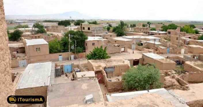 روستای پاژ که در نزدیکی شهر مشهد قرار گرفته است، زادگاه حکیم ابوالقاسم فردوسی بوده است