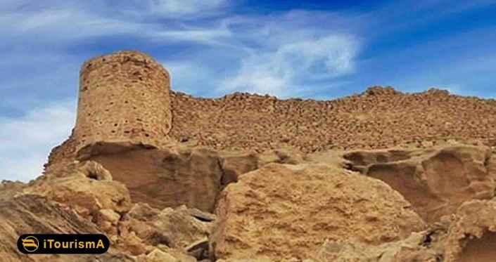 لشتان، قلعه ای باستانی در نزدیکی بندر لنگه است که با مصالح بوم آورد ساخته شده است