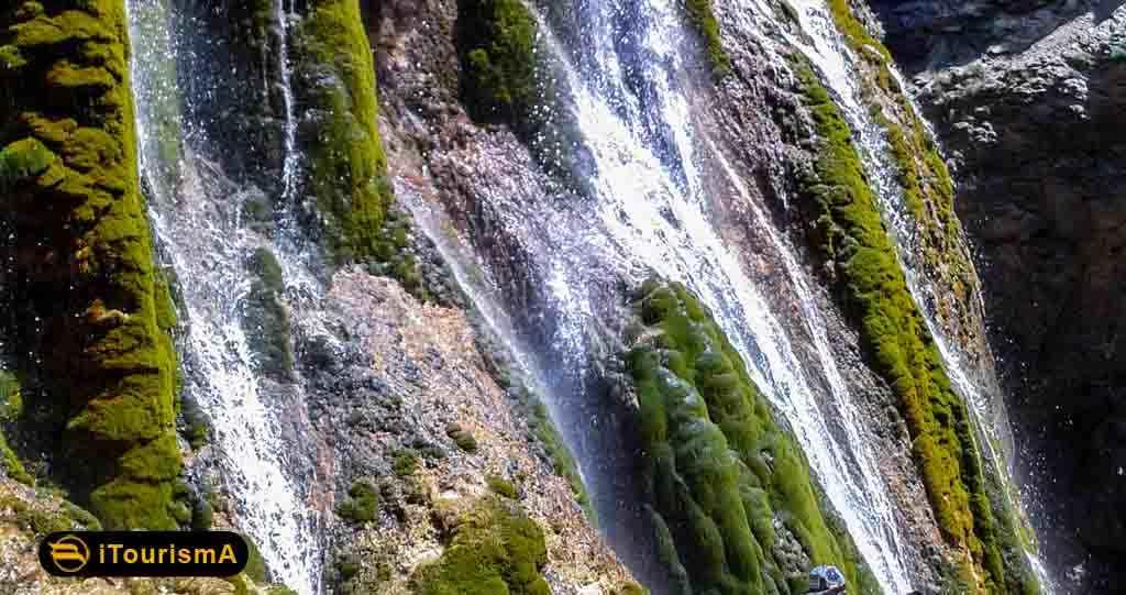 آبشار پونه زار یکی از زیباترین جاذبه های طبیعی در استان اصفهان